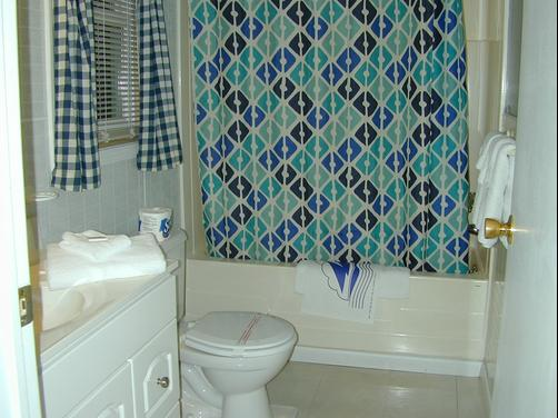 Miami Resort Motel - Canandaigua - Bathroom
