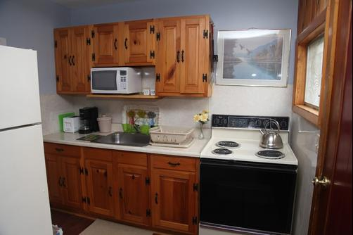 Cramers Point Motel & Cottages - Lake George - Kitchen