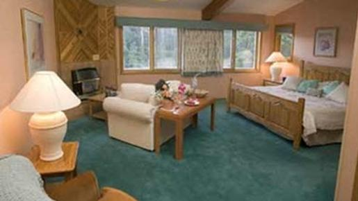 The Inn at Arrowhead - Cimarron - Bedroom