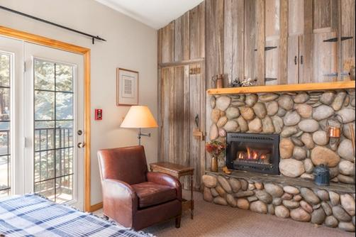 Black Bear Inn - South Lake Tahoe - Living room