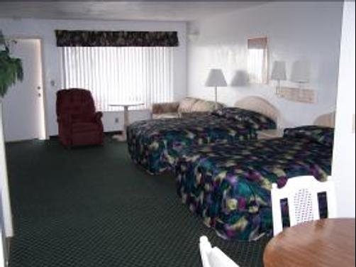 Royal Holiday Beach Motel - Daytona Beach Shores - Bedroom