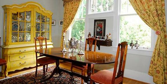 Adele's Virginia Highland Bed & Breakfast - Atlanta - Living room