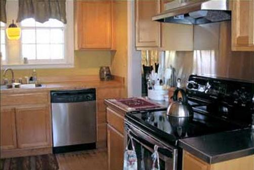 Scofield House B&B - Sturgeon Bay - Kitchen