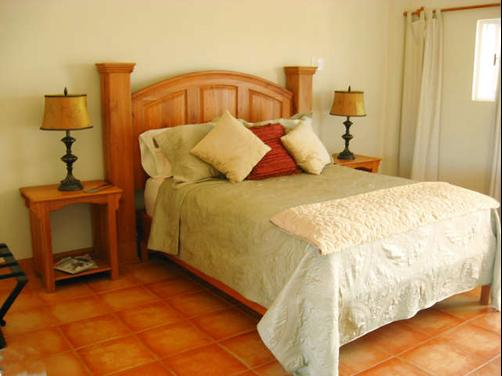 Serenity Sands Bed and Breakfast - Corozal - Bedroom