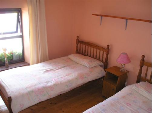 Countrywide Inns - Stone House - Sneem - Bedroom