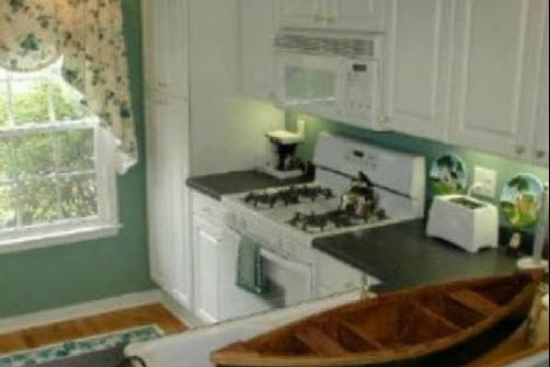 Ivy Cottage on the River - Hartfield - Kitchen