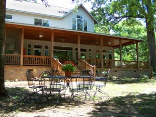 Oak Manor Bed & Breakfast/Pine Grove Cottages - Pittsburg - Building