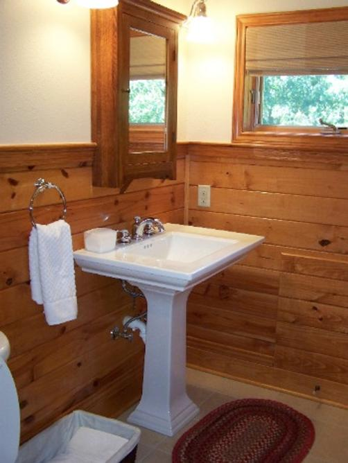 Oak Manor Bed & Breakfast/Pine Grove Cottages - Pittsburg - Bathroom