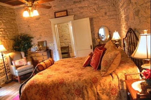 Old Rock House Bed and Breakfast - Hico - Bedroom