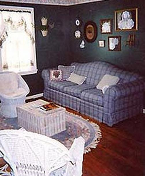 Cajun Country Cottages Bed and Breakfast - Breaux Bridge - Living room