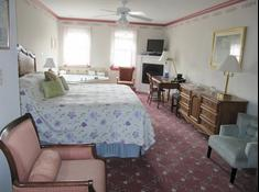 Old Hargrave House B & B