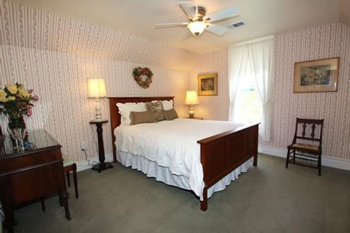 Case Ranch Inn - Forestville - Bedroom