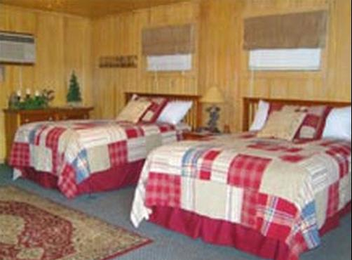 Smoky Pines Motel - Gatlinburg - Bedroom