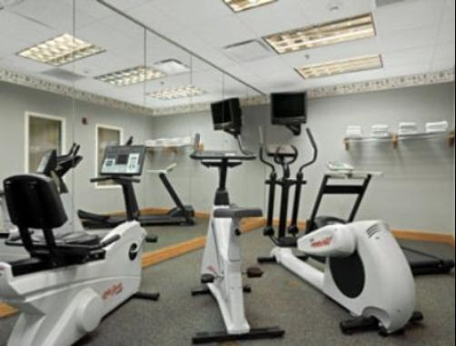 Baymont Inn & Suites Fort Myers Airport - Fort Myers - Gym