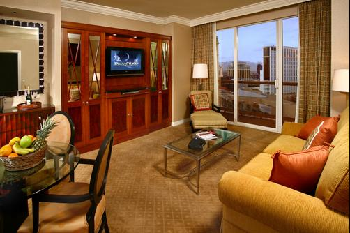 Luxury Suites International at The Signature - Las Vegas - Living room