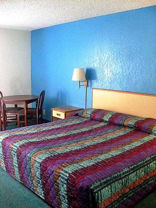 Motel 6 Norcross GA - Norcross - Bedroom