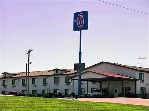 Motel 6 Williamsburg - Williamsburg - Building