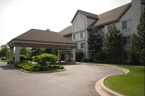 The Lotus Suites at Midlane Golf Resort - Wadsworth - Building