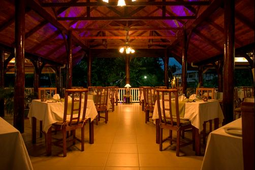 Acajou Beach Resort - Praslin Island - Restaurant