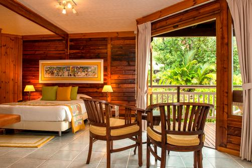 Acajou Beach Resort - Praslin Island - Queen bedroom