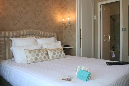 Best Western Hotel d'Anjou - Angers - King bedroom