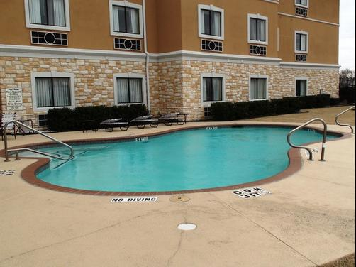 Holiday Inn Express & Suites Greenville - Greenville - Pool