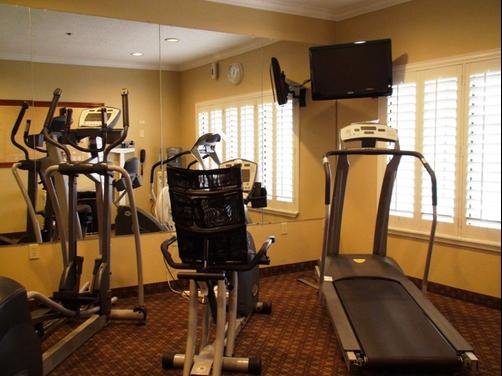 Holiday Inn Express & Suites Greenville - Greenville - Gym