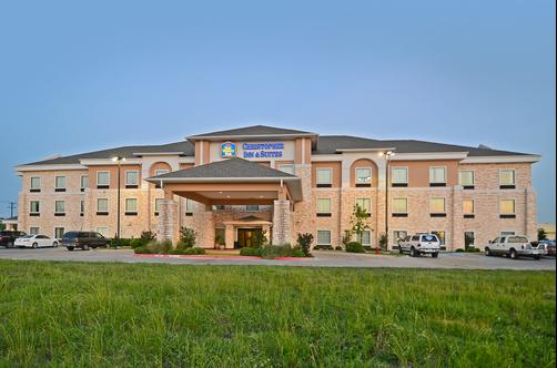 Best Western Plus Christopher Inn & Suites - Forney - Building