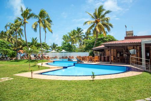 Paradise Beach Hotel - Negombo - Outdoors view