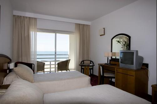 Ever Caparica Beach & Conference Hotel - Costa Caparica - Bedroom