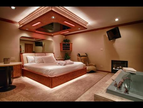 sybaris pool suites northbrook hotels from 179 kayak. Black Bedroom Furniture Sets. Home Design Ideas