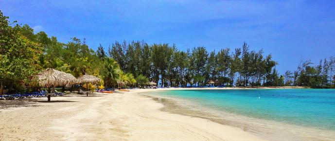 Fantasy Island Beach Resort - Roatan - Beach