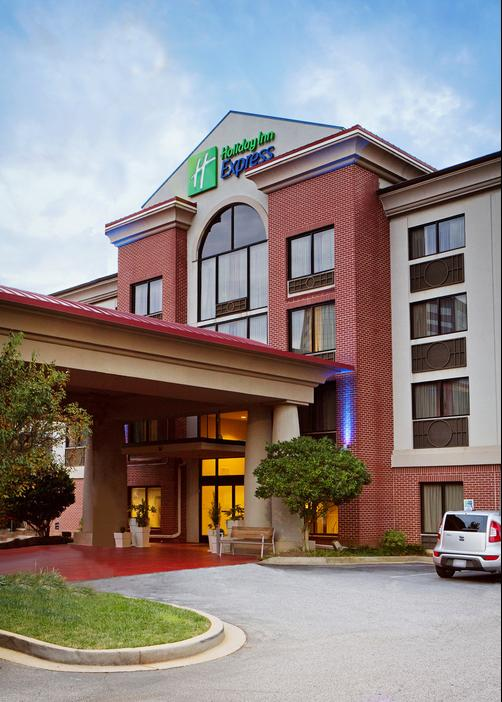 Holiday Inn Express & Suites Greenville-Downtown - Greenville - Building