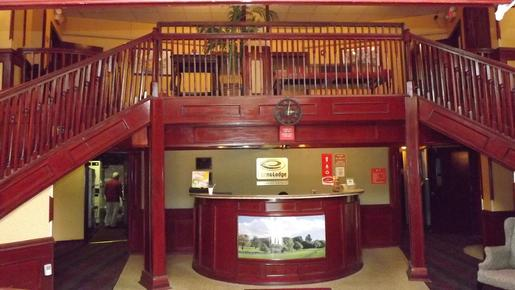 Econo Lodge - Montpelier - Front desk