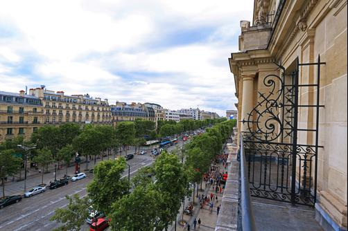 Fraser Suites Le Claridge Champs-Elysees - Paris - Building