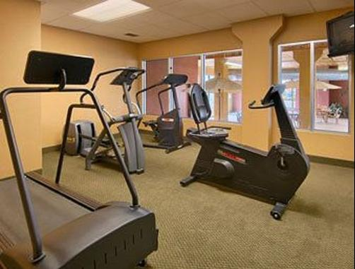 Days Inn & Suites Bozeman - Bozeman - Gym