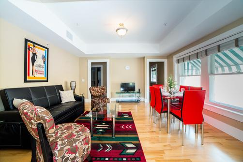 Hollywood Walk Apartment - Los Angeles - Living room