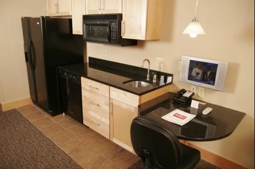 LivINN Hotel Minneapolis North / Fridley - Fridley - Kitchen