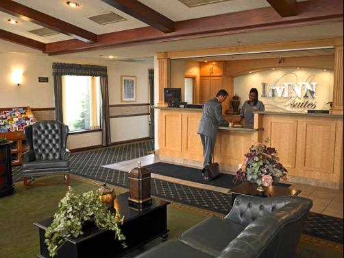 LivINN Hotel Minneapolis North / Fridley - Fridley - Front desk