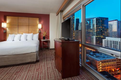 Residence Inn by Marriott Chicago Downtown/River North - Chicago - King bedroom