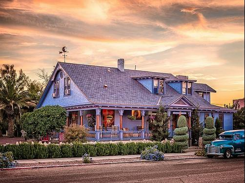 The Big Blue House Inn Boutique Hotel - Tucson - Building