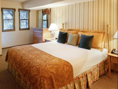 Mountain Retreat Resort - Arnold - Bedroom