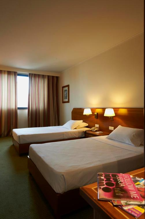 Hotel Real Parque - Lisbon - Bed