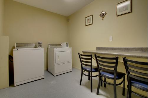 Super 8 Iowa City/Coralville - Coralville - Laundry facility
