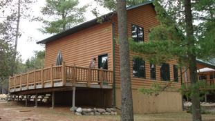 The Lakeview (Cabin 3)