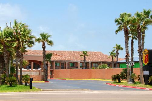 Super 8 South Padre Island - South Padre Island - Building