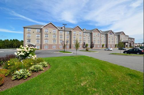 Best Western Plus Fredericton Hotel & Suites - Fredericton - Building