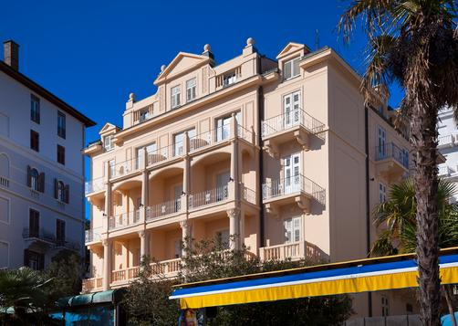 Smart Selection Hotel Residenz - Opatija - Building