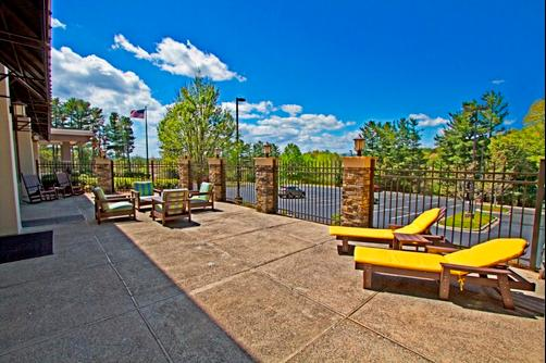 Hampton Inn Asheville-Tunnel Road - Asheville - Patio