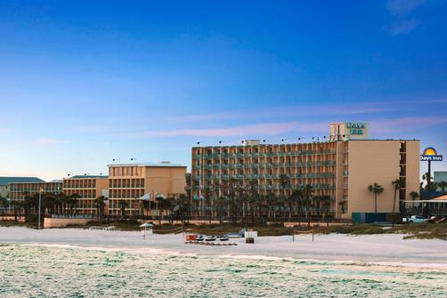 Days Inn Panama City Beach/Ocean Front - Panama City Beach - Building